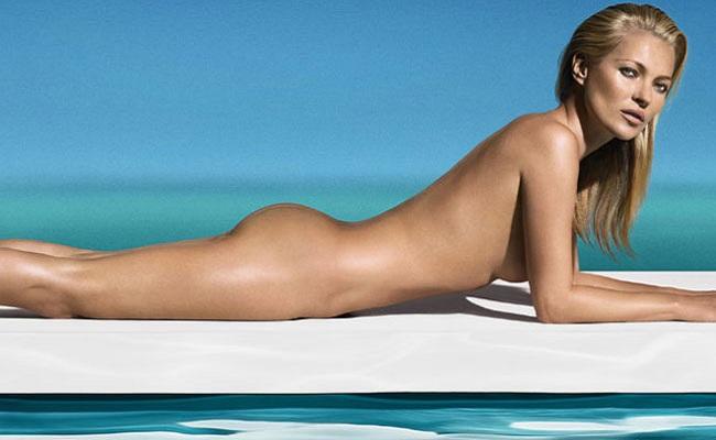 Kate Moss nue devant la mer St Tropez