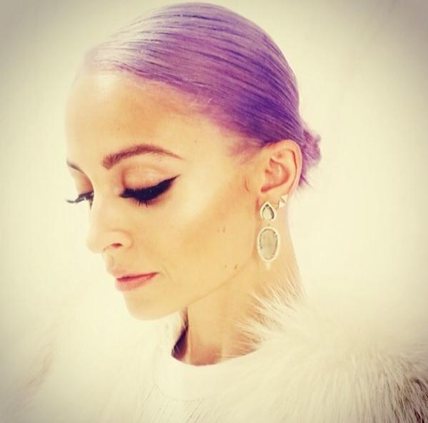 Nicole Richie coiffure violette