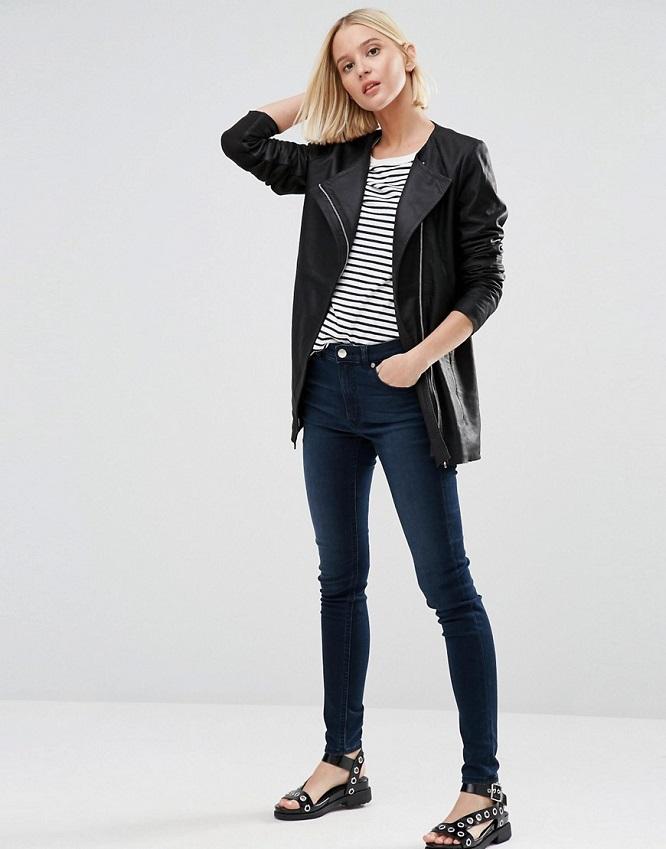 Veste cuir et jeans bleu